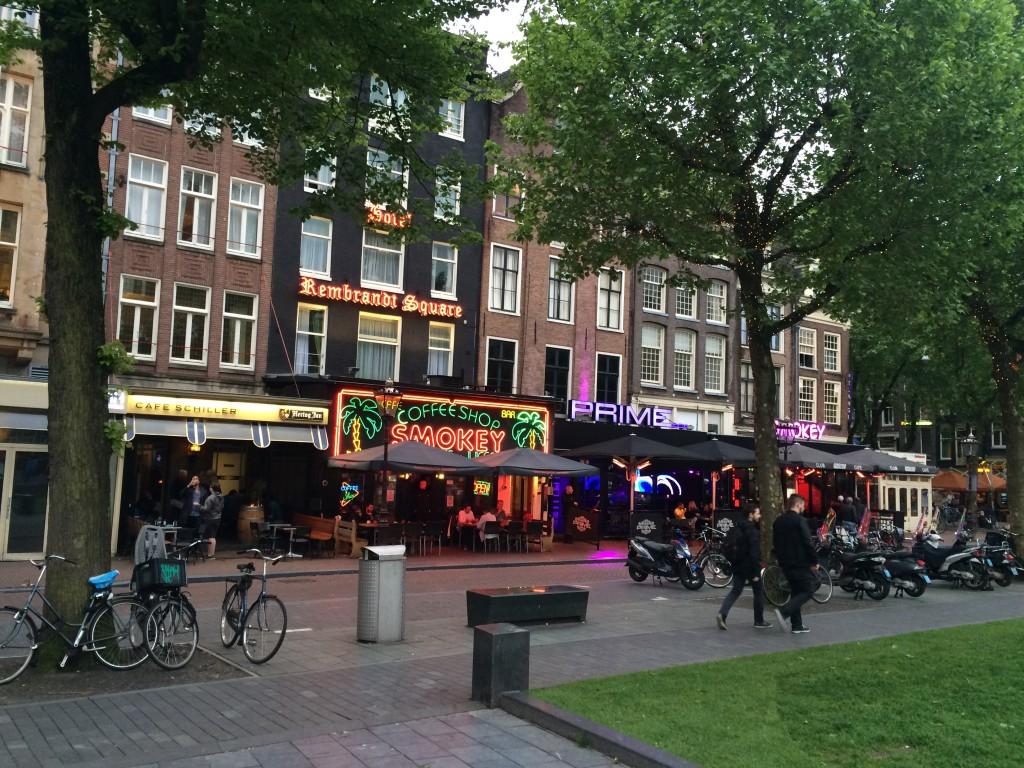 Amsterdam, oraşul plăcerilor interzise