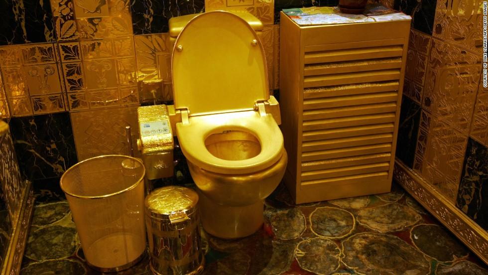 Toaletă de aur