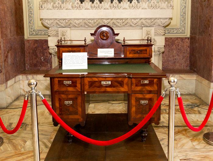 """Biroul avocatului orădean Aurel Lazăr, la care s-a semnat (12 octombrie 1918) declaraţia de autodeterminare a românilor din Transilvania, condiţia """"sine qua non"""" a Unirii"""