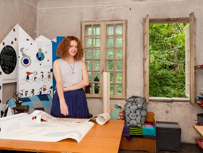 """Ana Bănică, în atelierul """"Cai verzi pe pereți"""""""