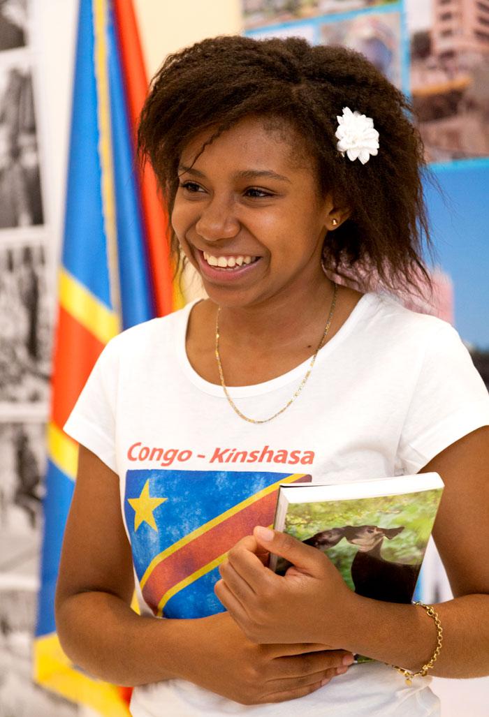 Benita Kabelya Mokha, entuziasmată atunci când povestește despre experiența în București