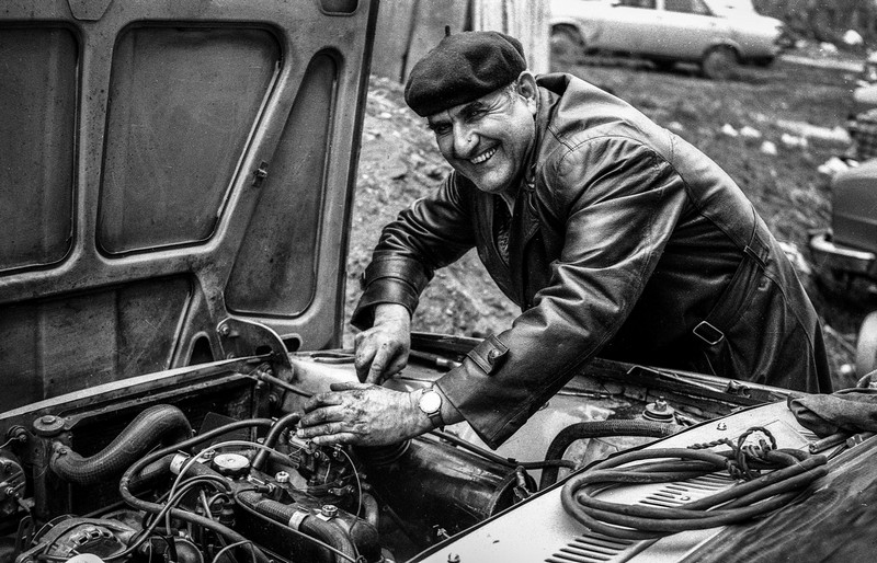 Duminica se repara mașina