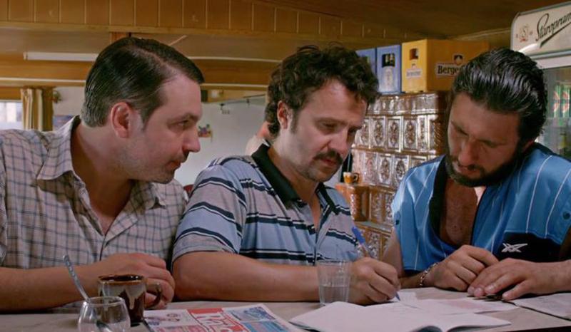 """Scenă cheie din filmul """"Două Lozuri"""": alegerea numerelor câștigătoare"""