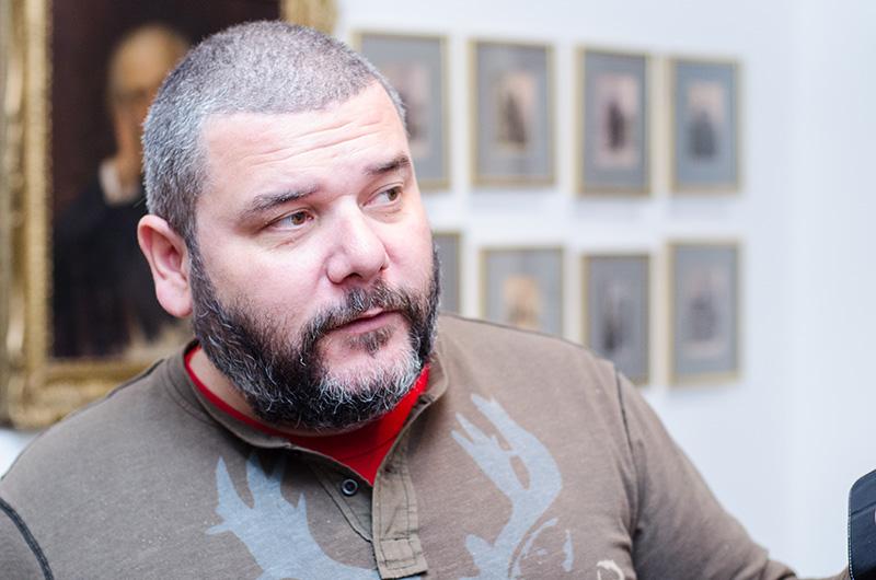 """Dr. Valer Rus, directorul Muzeului """"Casa Mureșenilor"""" din Brașov, vorbind despre """"Părinții Fondatori"""""""