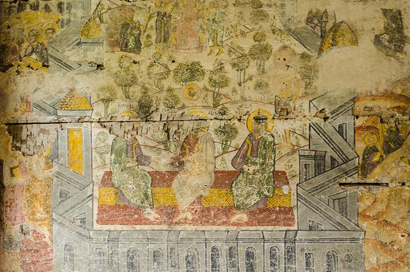 """Sfânta Treime, înconjurată de """"un zid imens de cetate"""""""