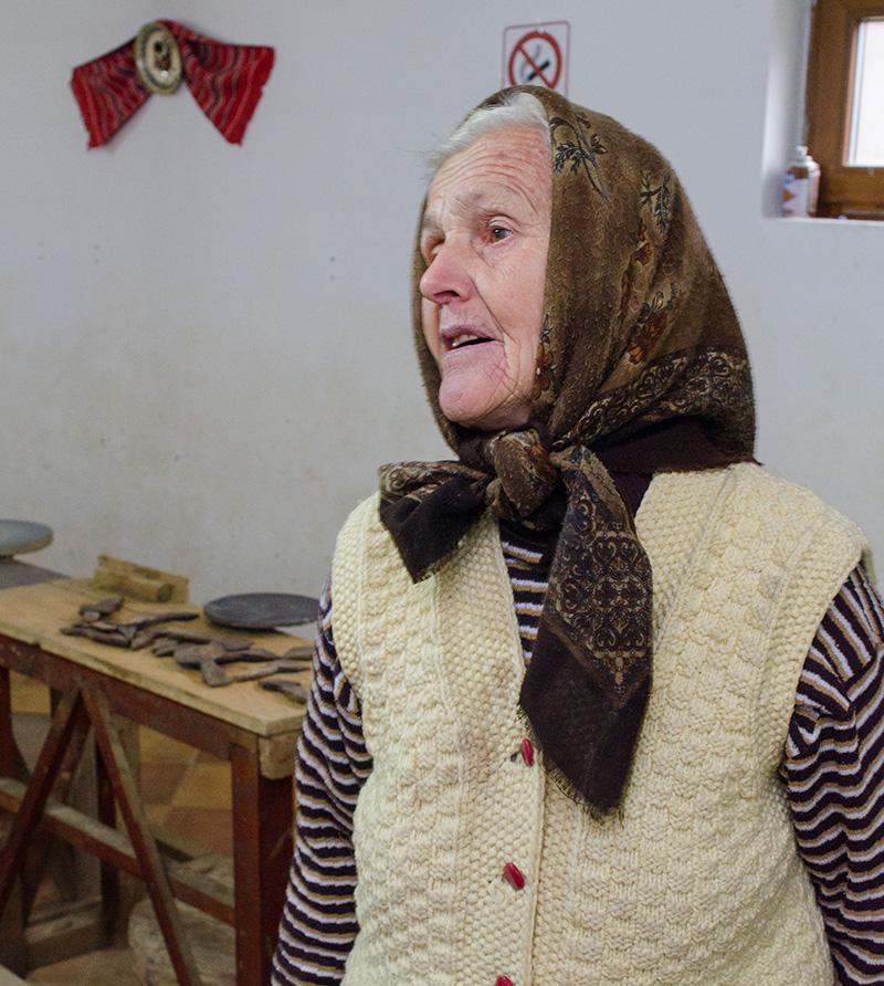 """Valerica Ene (78 ani), olărița căreia i-a plăcut munca """"de mică"""""""
