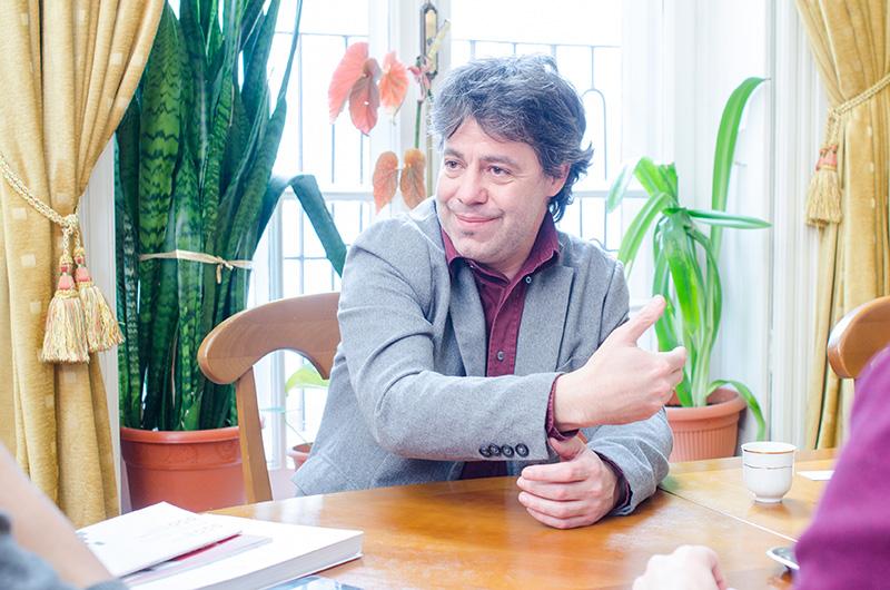 """Directorul Institutului Balassi, András László Kósa: """"Publicul țintă al Institutului nostru este cel român. Îmi place să fie cât mai mulți români, ca să avem un dialog"""""""