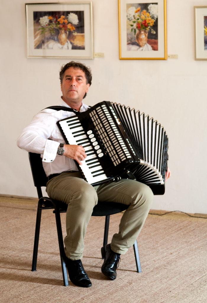 Eugen Măcinic, un pictor muzician
