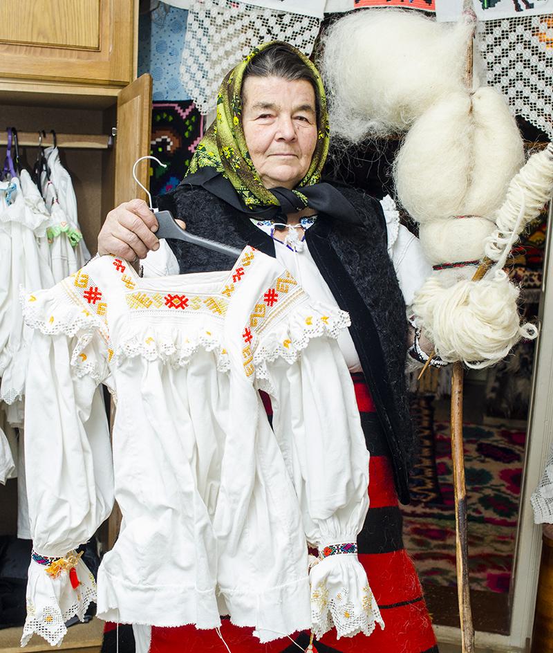 Un om care poate sta drept în faţa conaţionalilor, dar şi a Creatorului său, Anuţa Bledea face cinste României