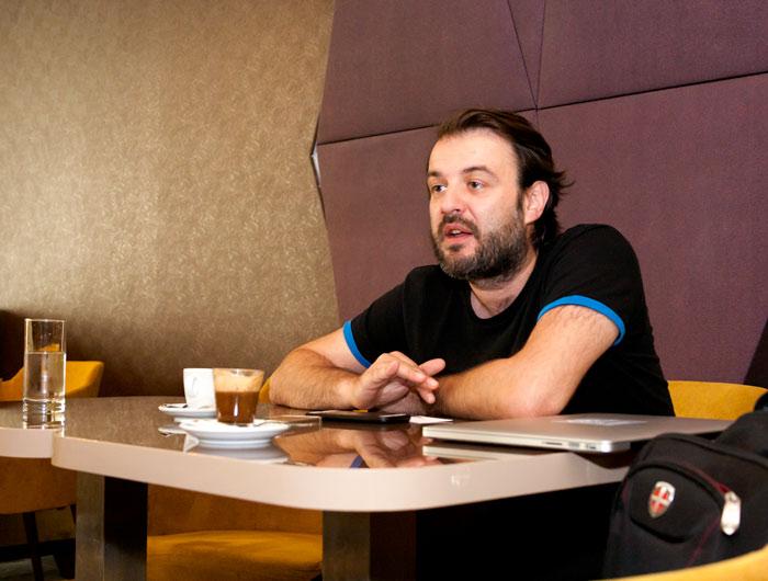 """Vlad Drăgulescu, director artistic Teatrul Naţional """"Marin Sorescu"""" şi fost director al Filarmonicii """"Oltenia"""" din Craiova"""