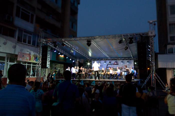 """Ecouri în noapte: Filarmonica """"Oltenia"""" din Craiova"""