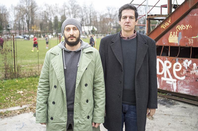 """Fotografii Sorin Vidis (stânga) și Bogdan Boghițoi, autorii albumului """"Oina"""""""