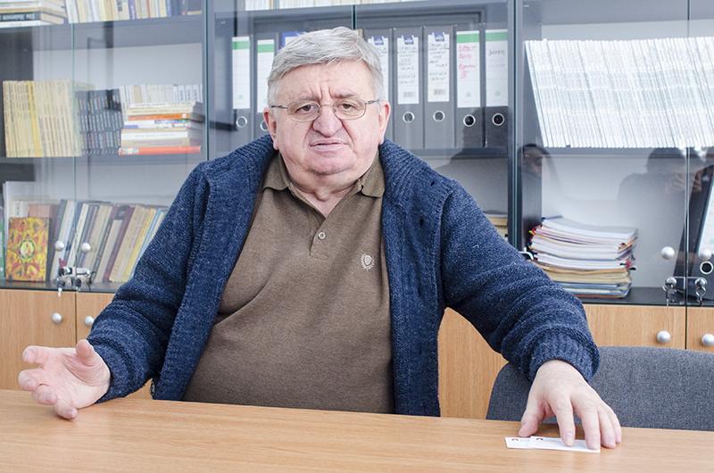 """Pentru profesorul George Ardeleanu, căile către Eminescu sunt """"lectura sinceră, personală, voluntară, editarea și exegeza"""""""
