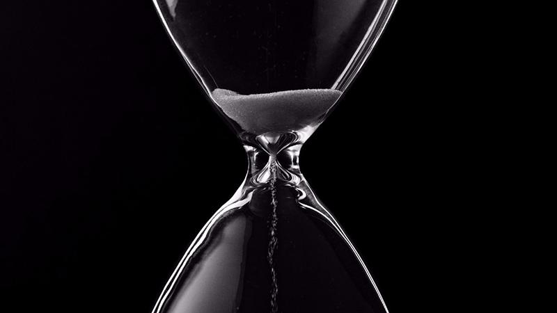 Potrivit interpretării lui Hawking, timpul are 3 sensuri: termodinamic, psihologic și cosmologic