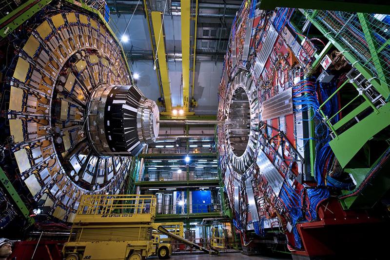 Oamenii de ştiinţă încearcă să descifreze, în laboratoarele lor, misterele Universului