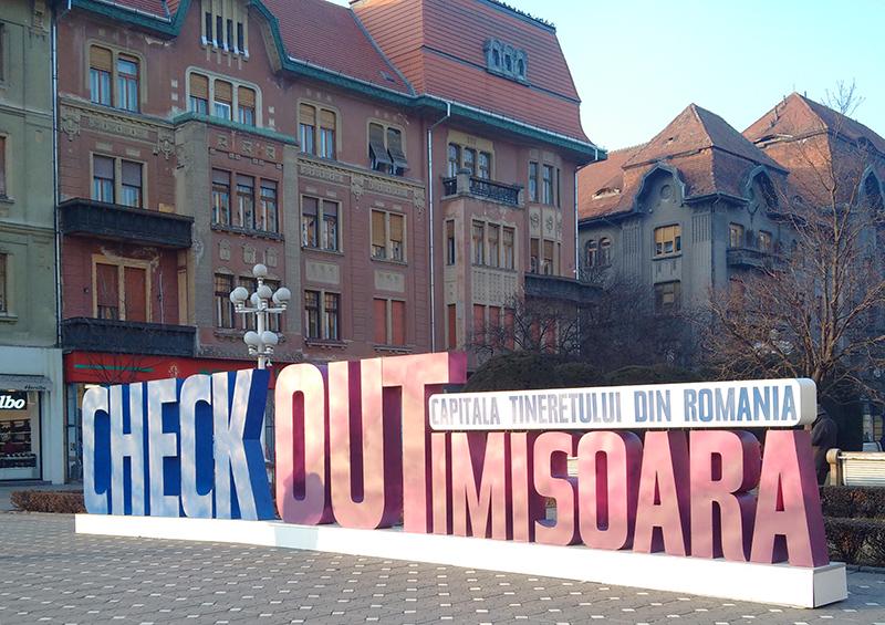 Reputat centru universitar, Timișoara se mândreşte făţiş cu tinereţea ei