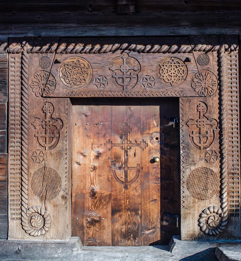 Geometrie sacră: Biserica de lemn din Budeşti-Josani, Maramureş