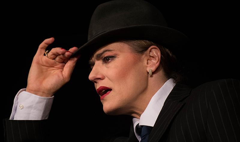 """Actrița Maia Morgenstern, în spectacolul """"Astă seară: Lola Blau"""""""