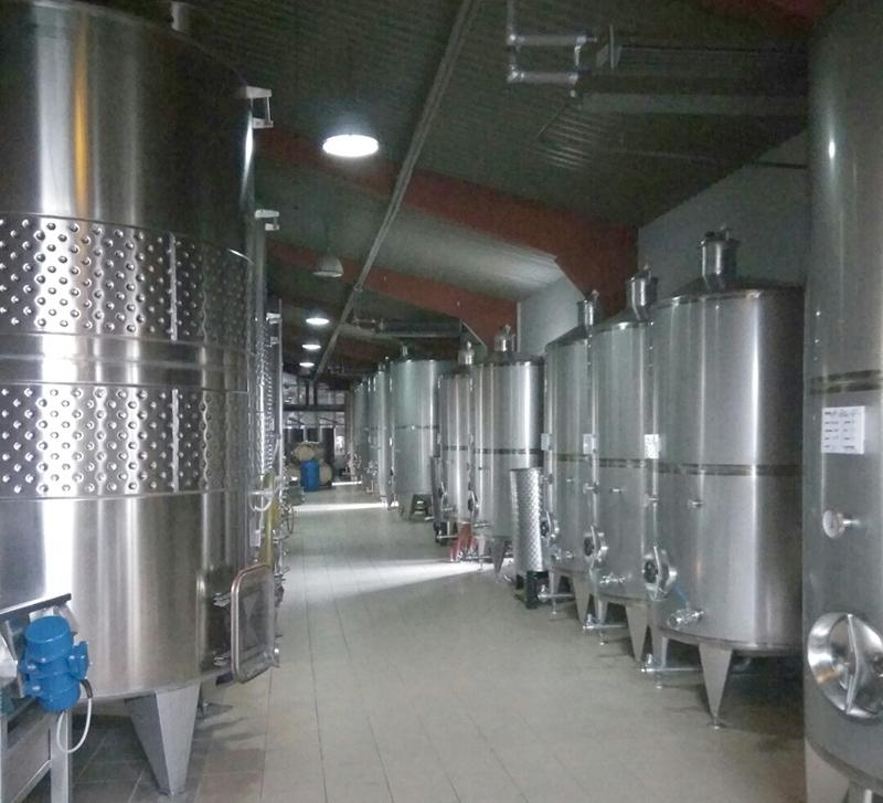 Pentru producerea unui vin de calitate este utilizată tehnologia modernă