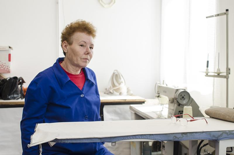 Doamna Ana Perdun lucrează în TES din 2010, fiind cooptată în atelier de către șeful secției, Eugen Filofi