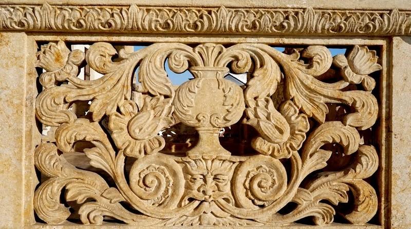 «Loggia» Palatului brâncovenesc de la Mogoșoaia - detaliu