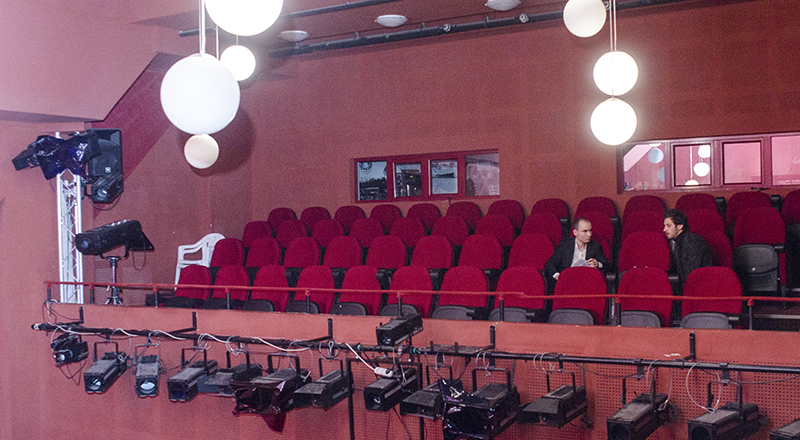 """Horia Suru: """"Chiar dacă de la Cluj la Sibiu e o distanță mică, diferențele sunt mari în tot ceea ce înseamnă instituția de teatru"""""""