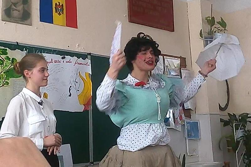 """Din spectacolul """"Chirița în provincie"""""""