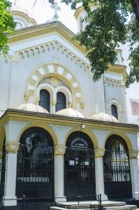 cum se vede Romania din Sofia Bulgaria biserica Sfanta Treime exterior