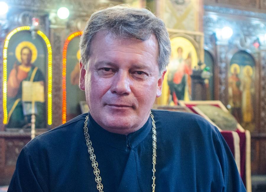 cum se vede Romania din Sofia Bulgaria preot Nelutu Oprea slider