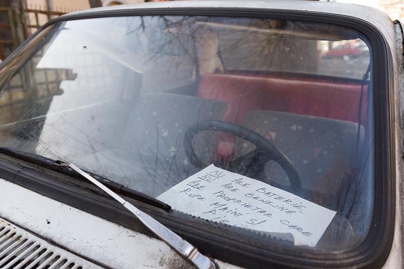 Șoferii își protejează Daciile în diferite moduri