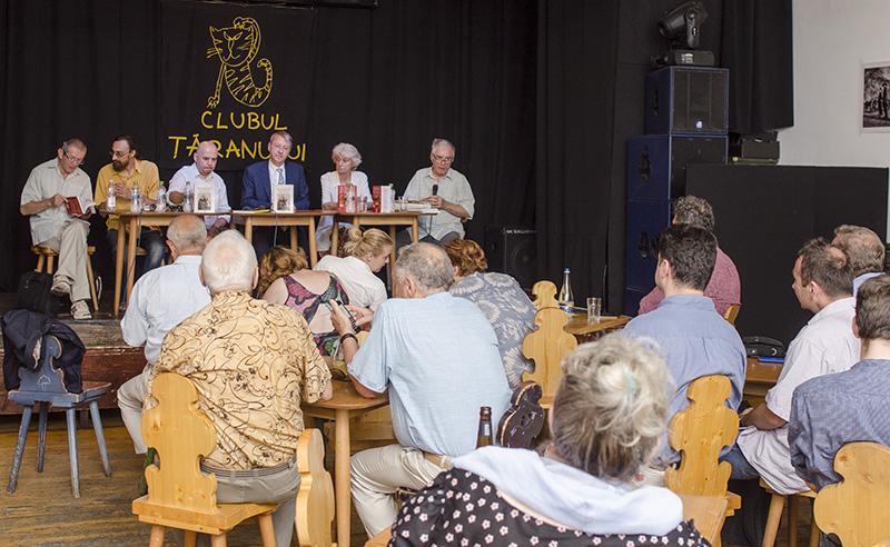 Dezbaterea de la MNȚR a reunit mai mulți specialiști, între care sociologi și etnologi