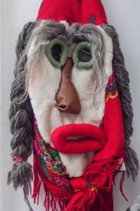 româncă Mirabela Busuioc Gura Humorului Bucovina măşti tradiţionale interior (3)