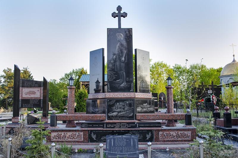 Cimitirul Doina din Chișinău este scena unor morminte opulente
