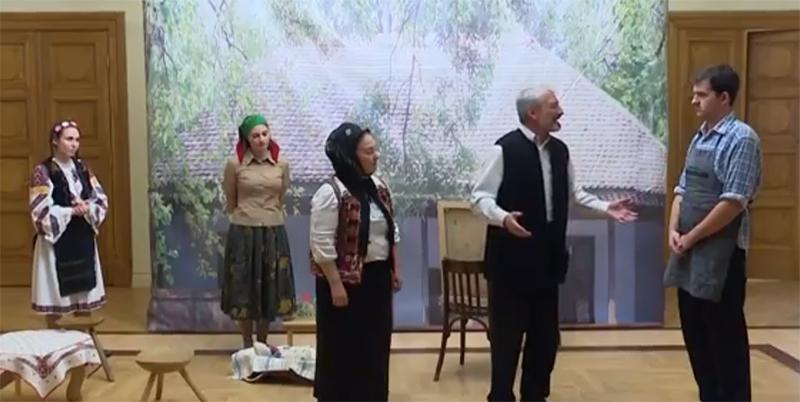 Profesorul, interpretat de Marian Ciripan, vorbind despre credință și familie.