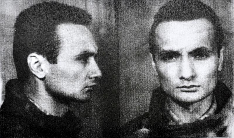 Paul Goma, fotografiat pentru dosarul securității, ca element periculos în comunism.