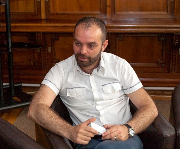 Lucian Dindirică, omul de cultură care aduce Biblioteca Aman mai aproape de inimile cititorilor de toate vârstele