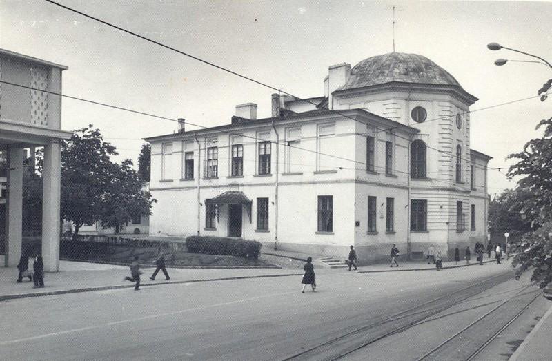 Academia Mihăileană, prima instituție de învățământ superior din Moldova, întemeiată de către Gheorghe Asachi la 1834, în capitala de atunci a Moldovei