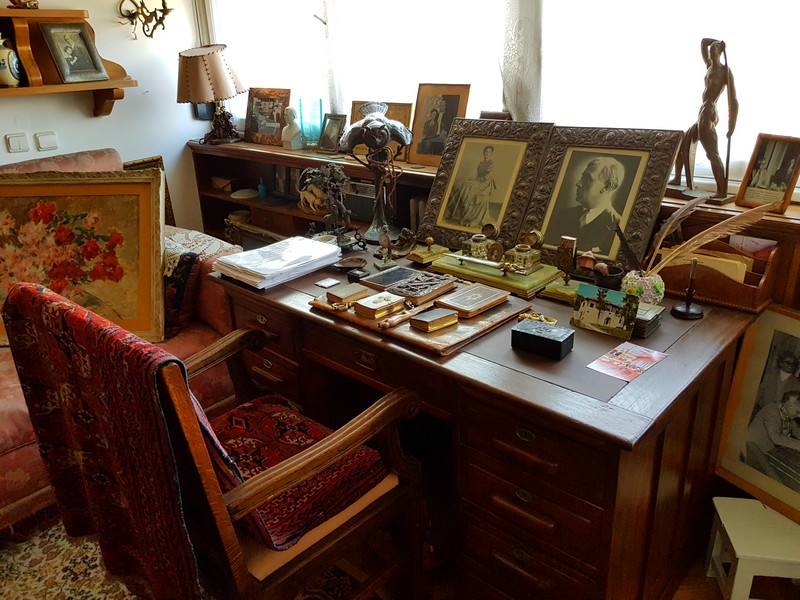 biroul lui Liviu Rebreanu mare romancier român interior