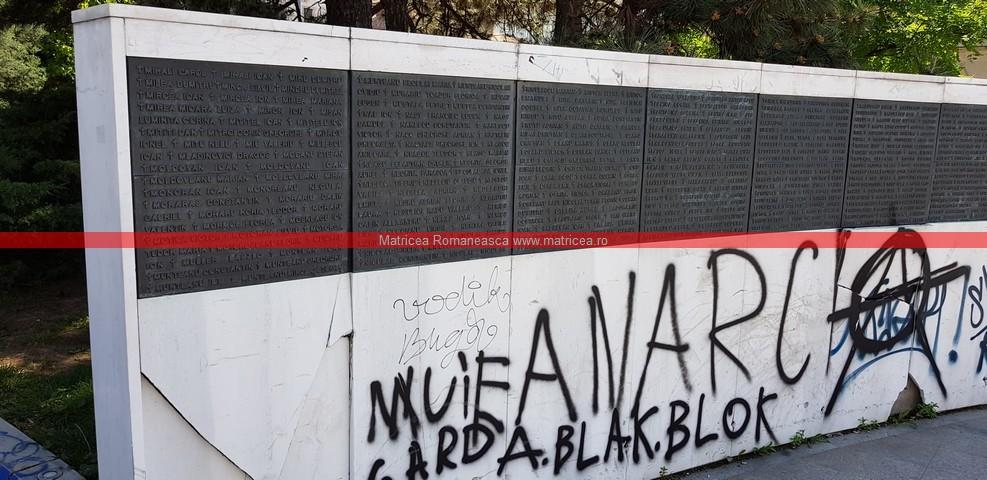 eroi Revoluţie Bucureşti profanare Memorialul Renaşterii (7)