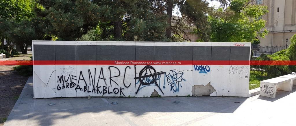 eroi Revoluţie Bucureşti profanare Memorialul Renaşterii (8)