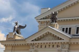 Colindările Matricei Teatrul din Drobeta-Turnu Severin ultimul loc din România în care se zâmbeşte 2