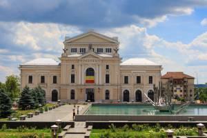 Colindările Matricei Teatrul din Drobeta-Turnu Severin ultimul loc din România în care se zâmbeşte