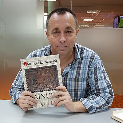 Revista-panou-2