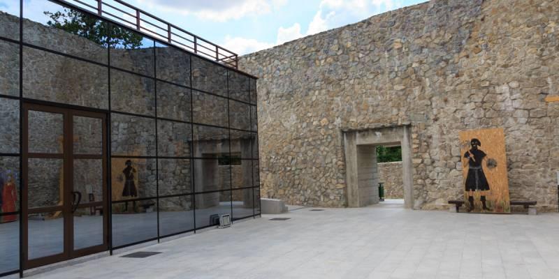 România100 Severin cetate medievală Litovoi sticlă 2