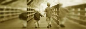 proză scurtă pe un pod fără cuvinte curg amintirile slider