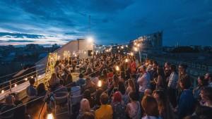Eveniment ARCEN, pe terasa unui bloc de birouri de pe bulevardul Magheru