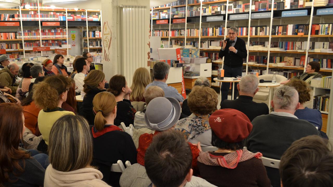 Horia Roman Patapievici la prezentarea de la Humanitas Cișmigiu