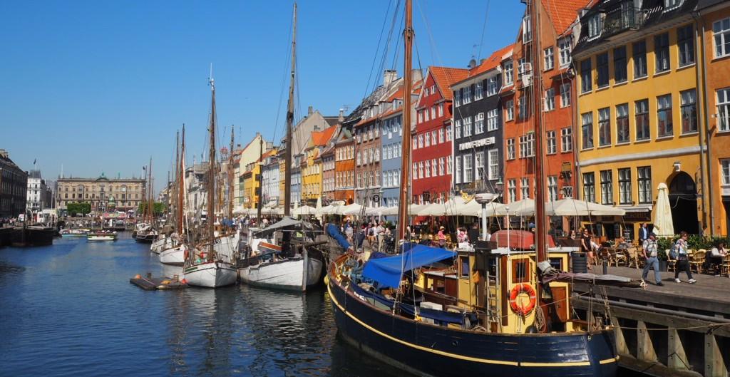 Copenhaga, o capitală fermecătoare mai ales în zilele însorite de vară