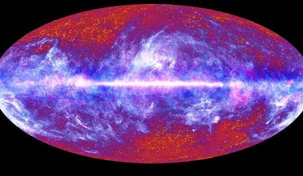 Fotografierea integrala a cerurilor. Imaginea a fost realizata de telescopul spațial european Plank, în prima misiune de fotografiere integrală a universului și a fost integrată timp de șase luni
