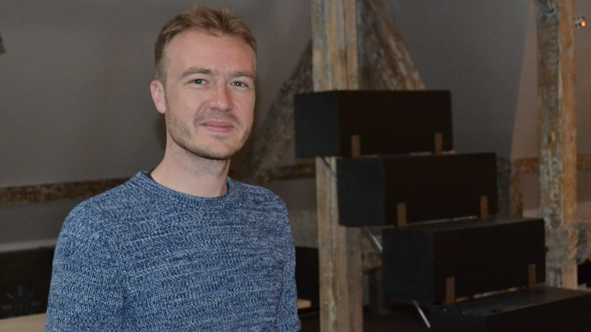 Regizorul Cristian Pascariu este inițiatorul proiectului Terapie prin Artă